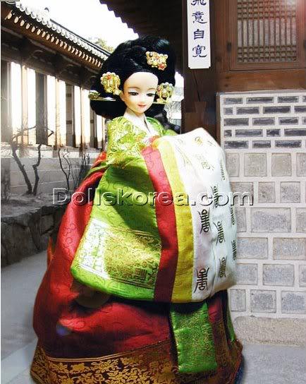 Geleneksel Kıyafetlerle Kore Oyuncak Bebekleri 18-4