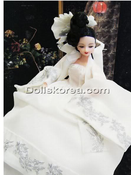 Geleneksel Kıyafetlerle Kore Oyuncak Bebekleri 30-1