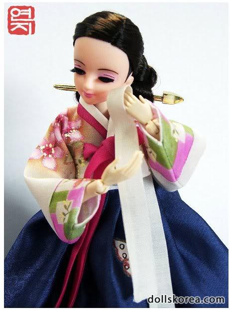 Geleneksel Kıyafetlerle Kore Oyuncak Bebekleri 44-2