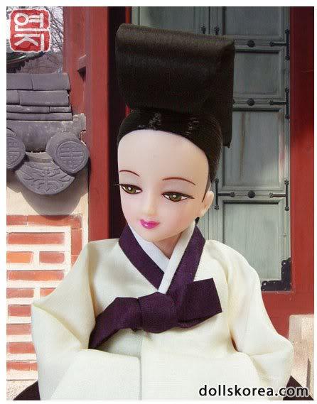 Geleneksel Kıyafetlerle Kore Oyuncak Bebekleri 54-2