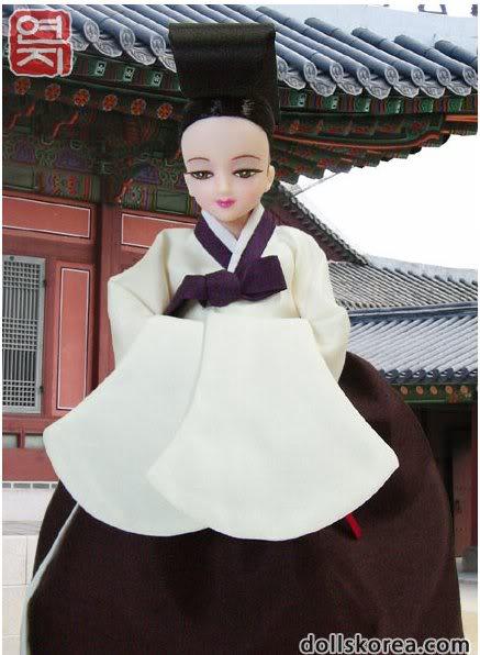 Geleneksel Kıyafetlerle Kore Oyuncak Bebekleri 55-1