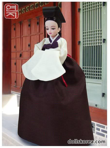 Geleneksel Kıyafetlerle Kore Oyuncak Bebekleri 56-1