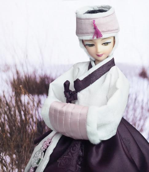 Geleneksel Kıyafetlerle Kore Oyuncak Bebekleri 75