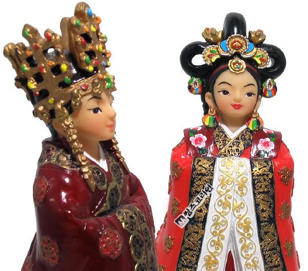 Geleneksel Kıyafetlerle Kore Oyuncak Bebekleri 76
