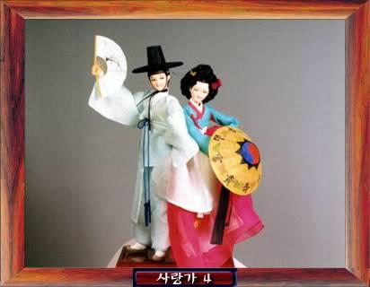 Geleneksel Kıyafetlerle Kore Oyuncak Bebekleri Gal2_06