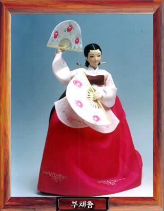 Geleneksel Kıyafetlerle Kore Oyuncak Bebekleri Gal3_06