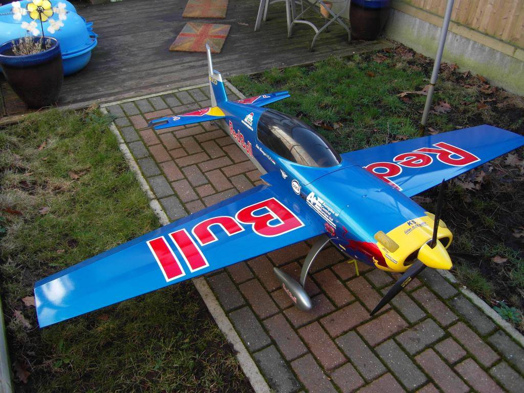 RED BULL Carf EXTRA 330L SDC10247_zpsbba4ebc3