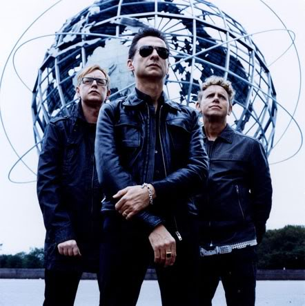 Depeche Mode 1245971395_depechemodefull