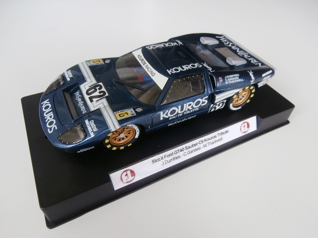 A vendre déco uniques FT Graphics (R18, GT40, SLS, LC2) Ford2_zps98bf160a