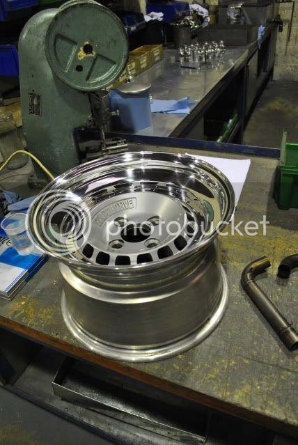 wheel refurbs, custom bits pinstriping and more!...... - Page 9 DSC_0625