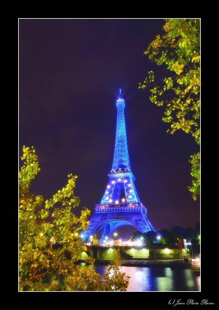 Tour Eiffel Bleue JPR_20080725_223600_132