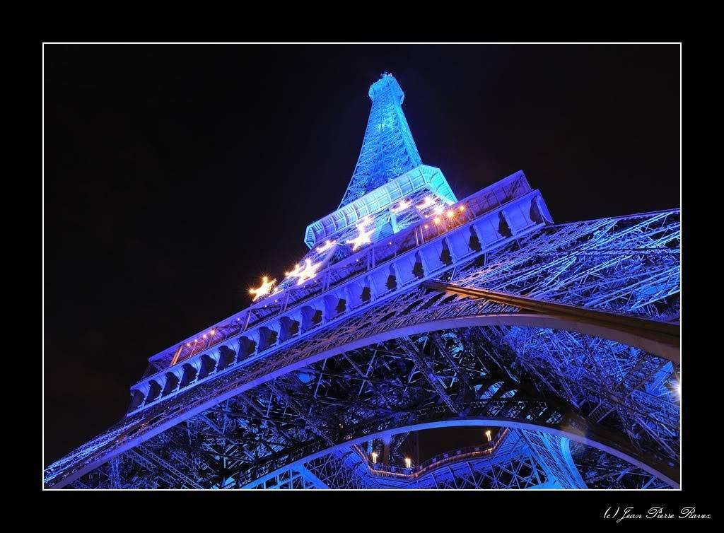 Tour Eiffel Bleue JPR_20080725_225301_119