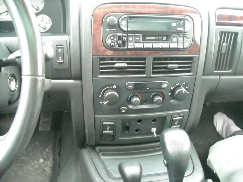 Teddy's Stereo and Modification UBL AmpRack2001