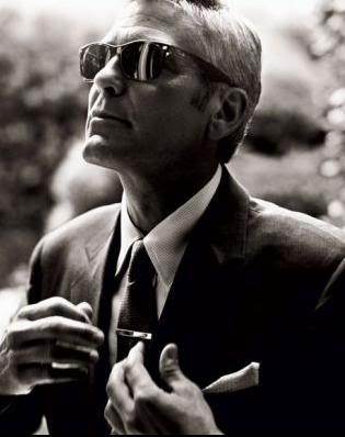 George Clooney - Page 3 GCsunglasses