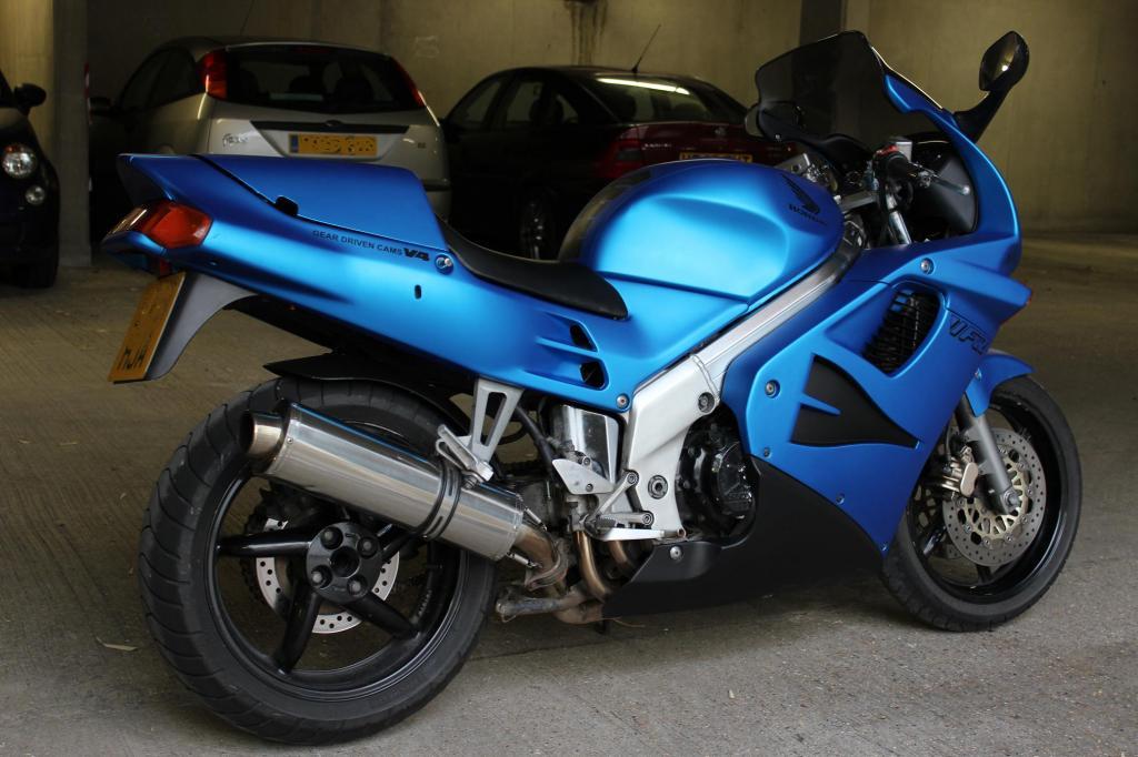 Honda VFR750  Nl2
