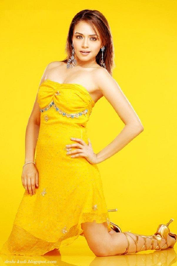 AMRUTA PATKI Hot Tamil Model And Actress AmrutaPatkiHot22
