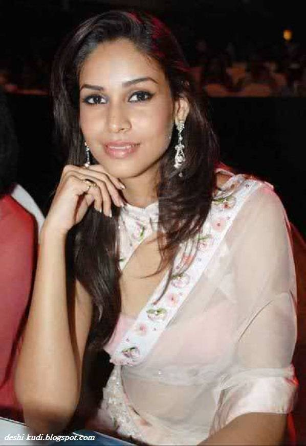 AMRUTA PATKI Hot Tamil Model And Actress AmrutaPatkiHot7