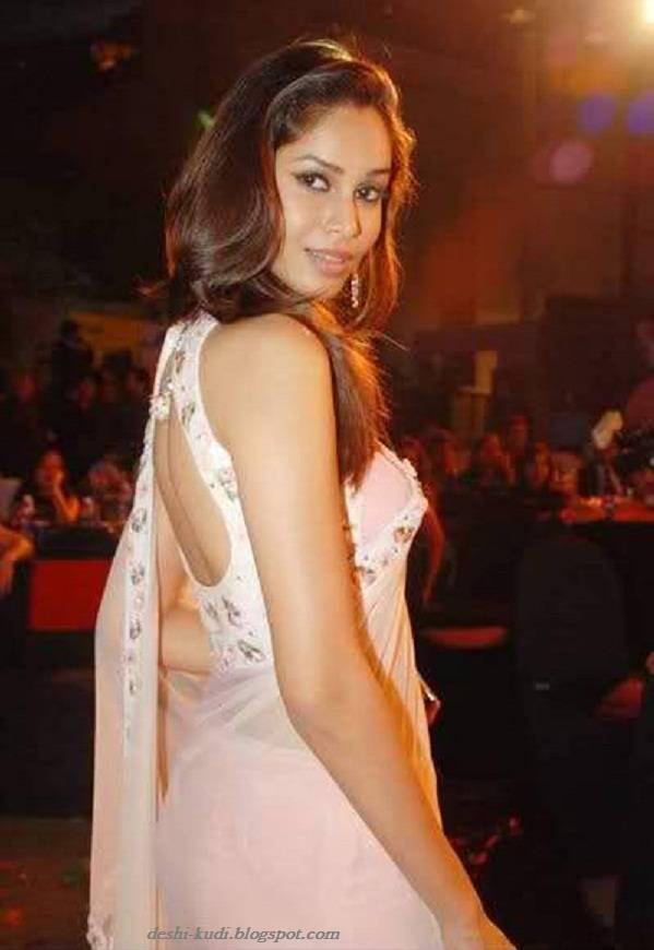 AMRUTA PATKI Hot Tamil Model And Actress AmrutaPatkiHot8