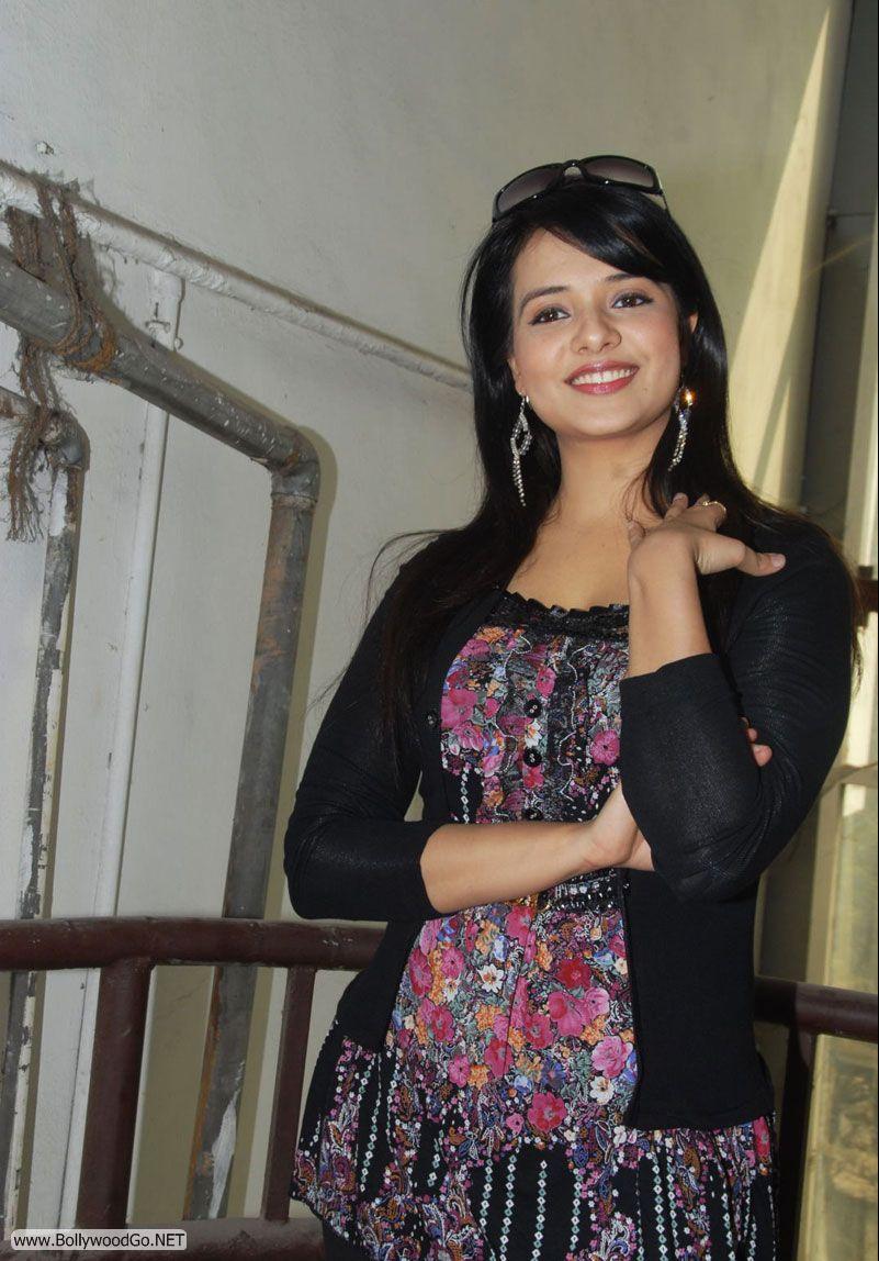 12 Latest Beauty Saloni Aswani Pictures 2012 Saloni10_zps1df28c18