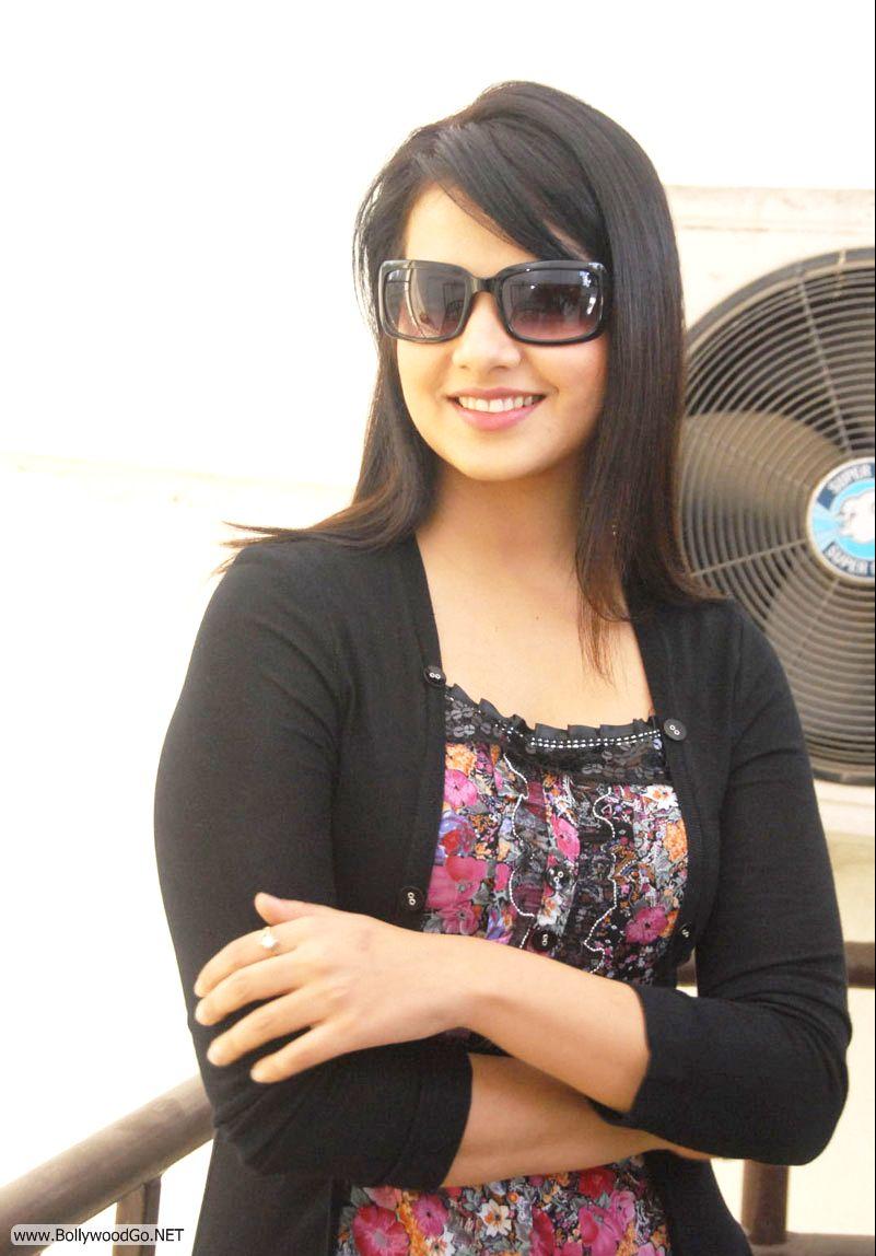 12 Latest Beauty Saloni Aswani Pictures 2012 Saloni3_zpsb594410a