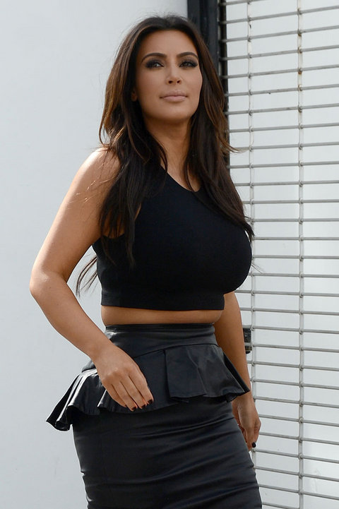 Check Out Kim Kardashian's Muffin Top 201212151409001700_zps828b55f9