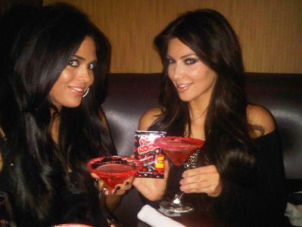 Twitter Photos of Kim Kardashian (23 pics) Twitter_photos_of_640_20_zps74b793ec