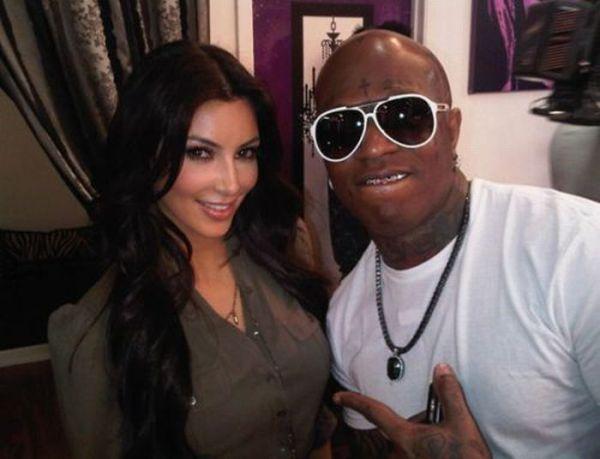 Twitter Photos of Kim Kardashian (23 pics) Twitter_photos_of_640_21_zps59bce5ee