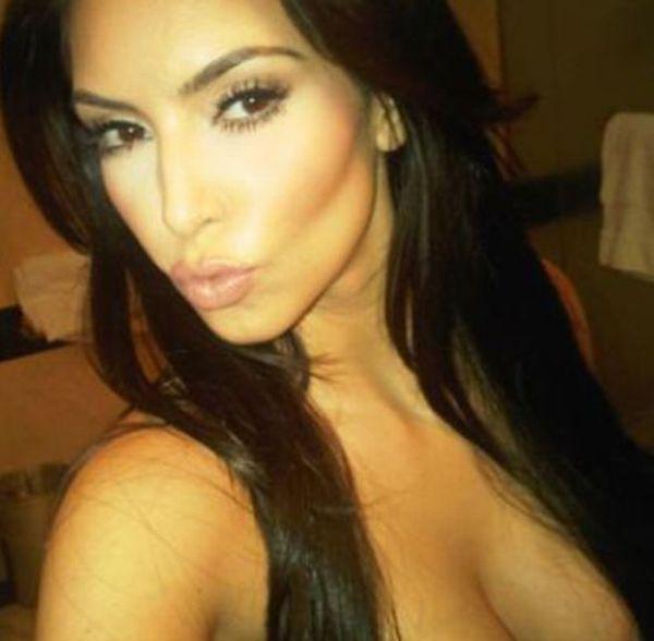 Twitter Photos of Kim Kardashian (23 pics) Twitter_photos_of_640_22_zpsdda689d9