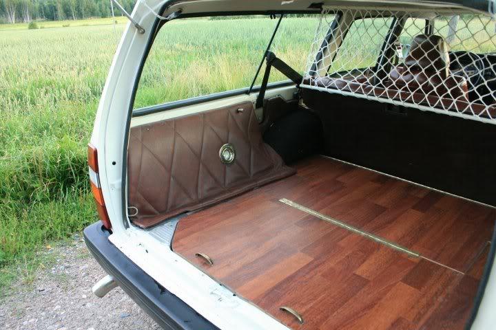 Volvo 245 California (FuncCrew) Kontti3pien