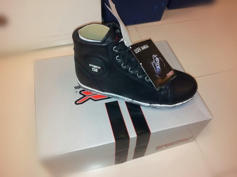 Que Short boots escolher? - Botas TCX X-Street WP  - Página 2 IMG_20130124_152520-picsay