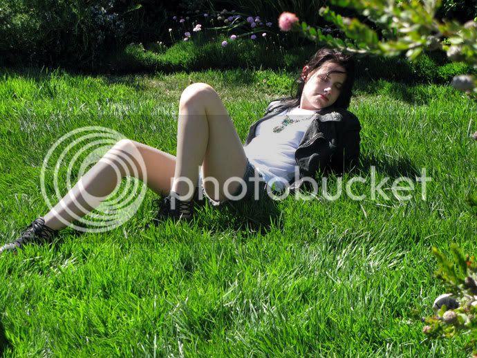Kristen Stewart - Page 2 Teenv_behind_7