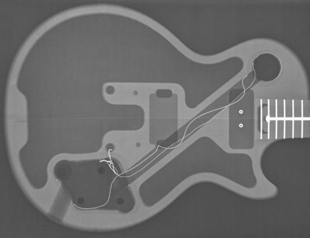 Construção inspirada Les Paul Custom, meu 1º projeto com braço colado (finalizado e com áudio) Chamber_BFG_2007_zps04a2356b