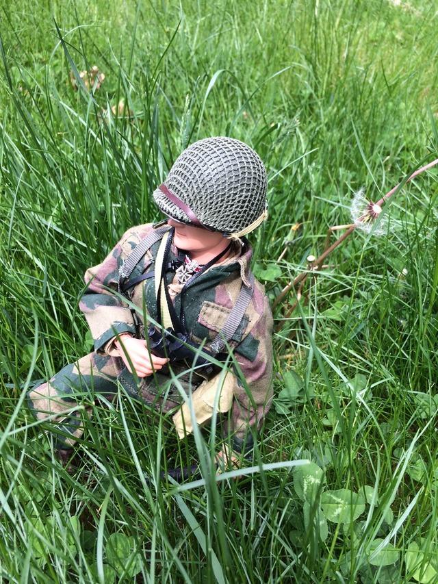 French Foreign Legion para on patrol IMG_1190_zpsgnnnkpn2