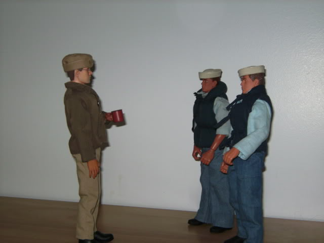 WWII Navy figures PICT0962