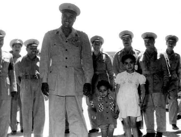 صور نادرة جدا لعبد الناصر لم نراها من قبل 9-1