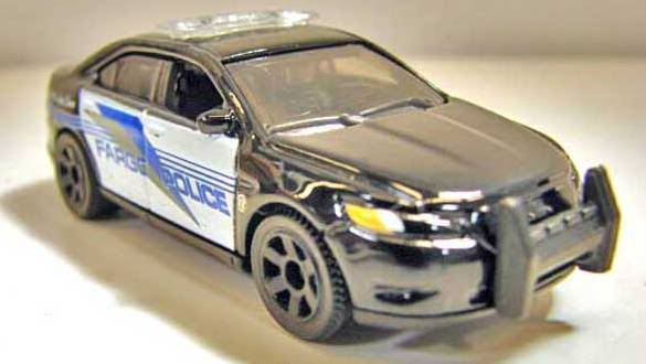 Matchbox 2011 Abril Report - Nissan Cube, Ford Taurus Interceptor y más FordInterceptorpic1