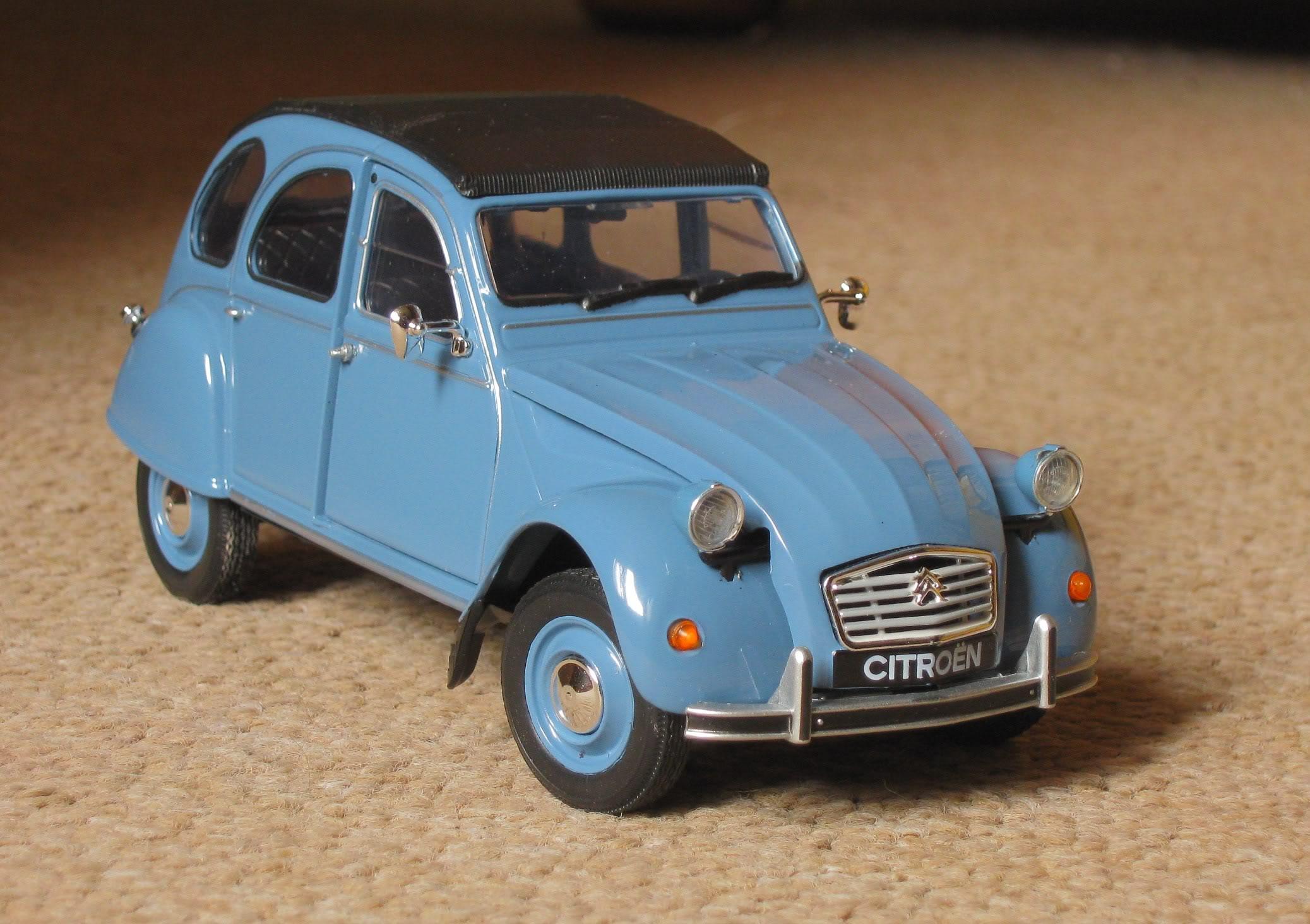 Welly 1/24: Citroën 2CV Welly124Citron2CV10