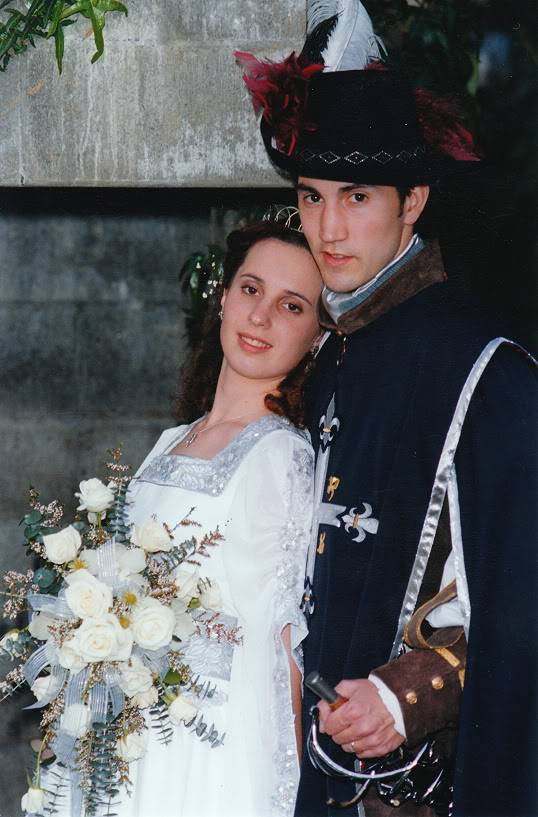 5 Pirates of the Caribbean Costumes fast and cheap Image1-2