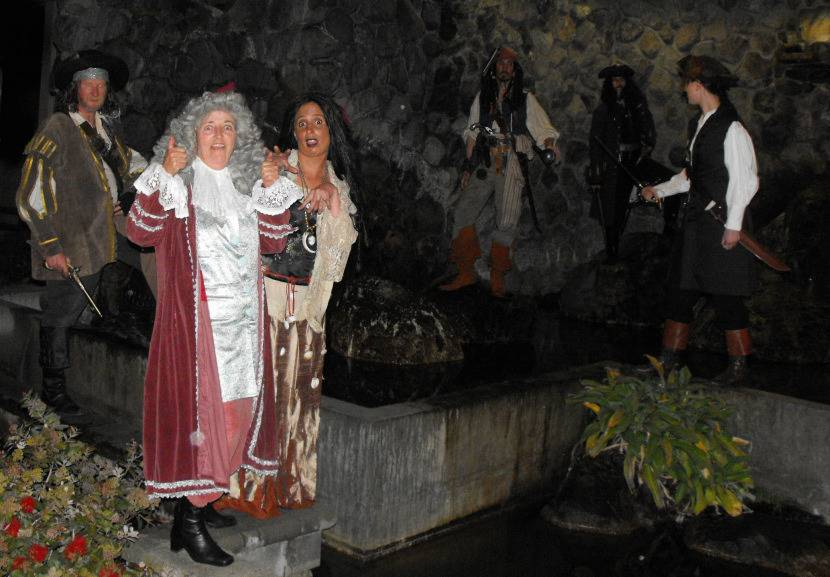 5 Pirates of the Caribbean Costumes fast and cheap Pirates2_zpsdf0b97e4