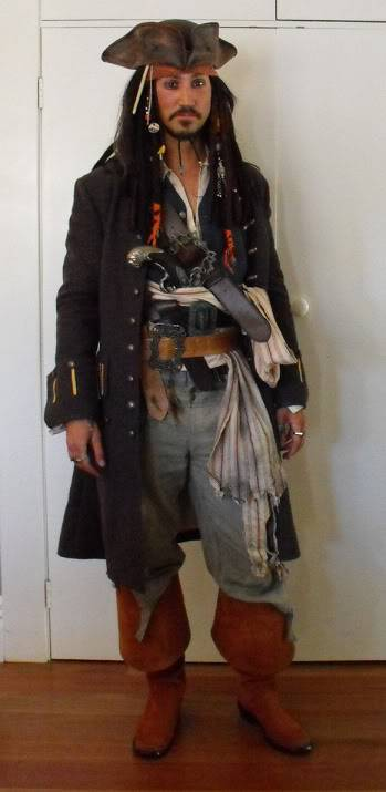 5 Pirates of the Caribbean Costumes fast and cheap Rpf-magsparrow1