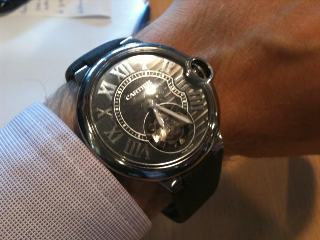 Comment ça ? Cartier fait de l'horlogerie ? On ne les voit jamais sur les forums D409880a
