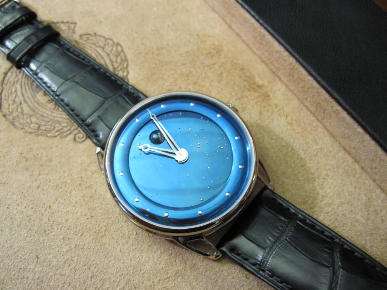 Où l'horlogerie devient art... (De Bethune inside) DB_SIHH2010_001