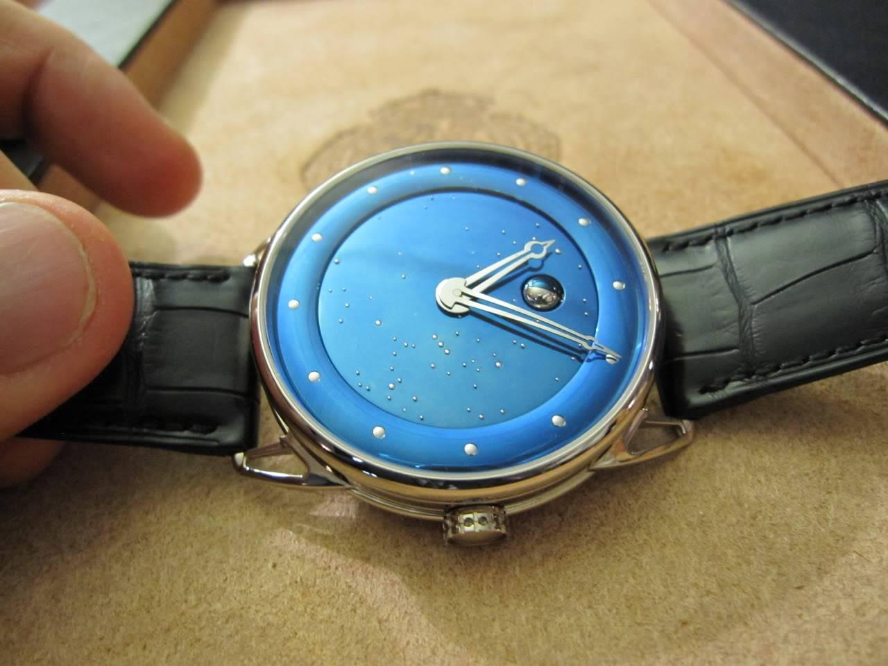 Où l'horlogerie devient art... (De Bethune inside) DB_SIHH2010_001a