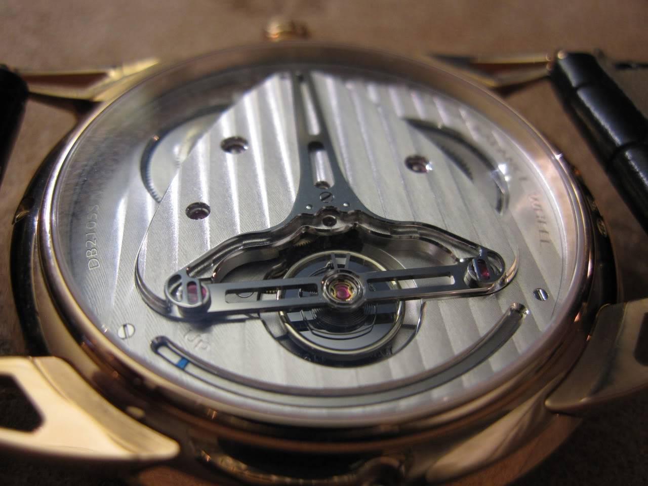 Où l'horlogerie devient art... (De Bethune inside) - Page 2 DB_SIHH2010_014