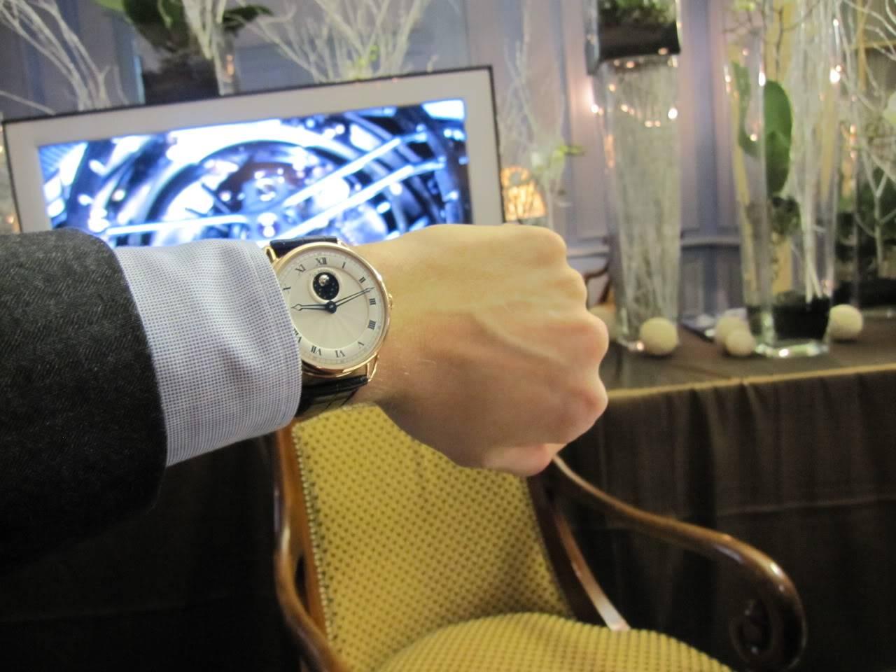 Où l'horlogerie devient art... (De Bethune inside) - Page 2 DB_SIHH2010_015