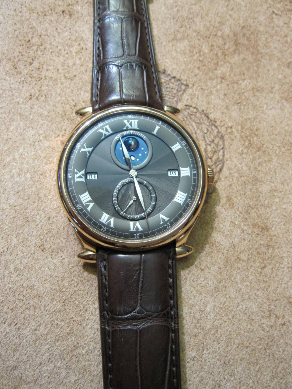 Où l'horlogerie devient art... (De Bethune inside) - Page 2 DB_SIHH2010_016