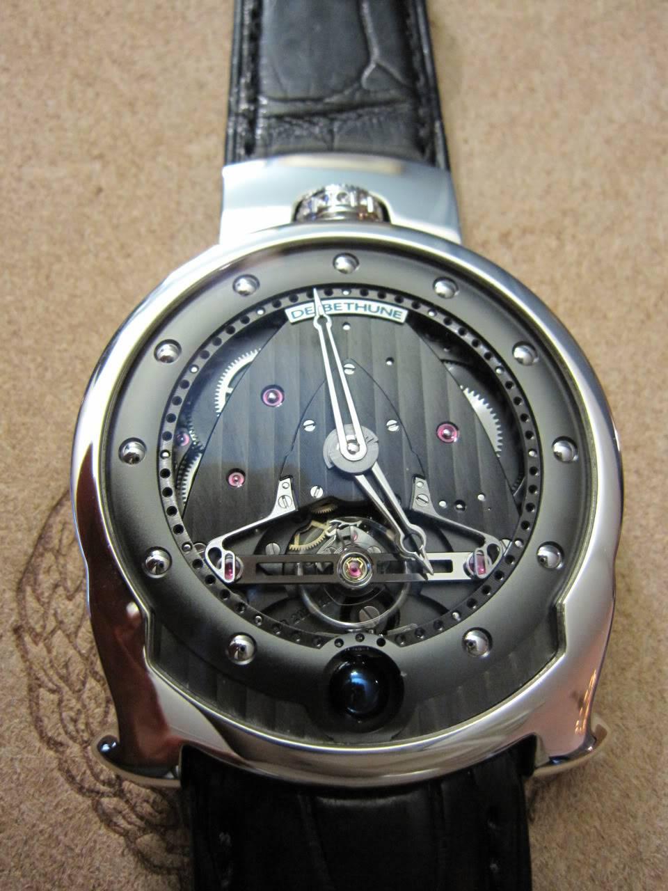 Où l'horlogerie devient art... (De Bethune inside) - Page 2 DB_SIHH2010_026