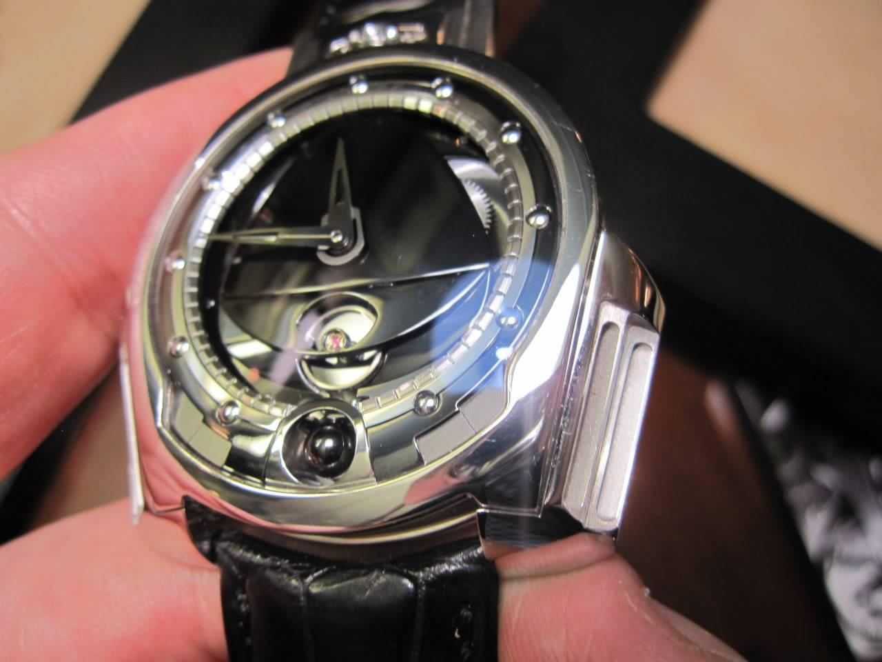 Où l'horlogerie devient art... (De Bethune inside) - Page 2 DB_SIHH2010_033