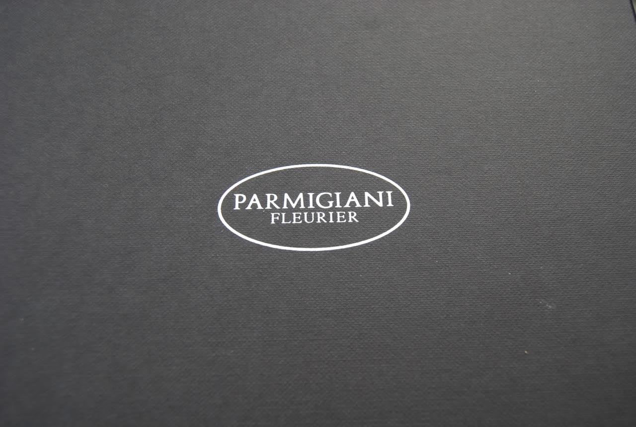 Le club des heureux propriétaires de Parmigiani Fleurier - Page 4 PF_BOX_01