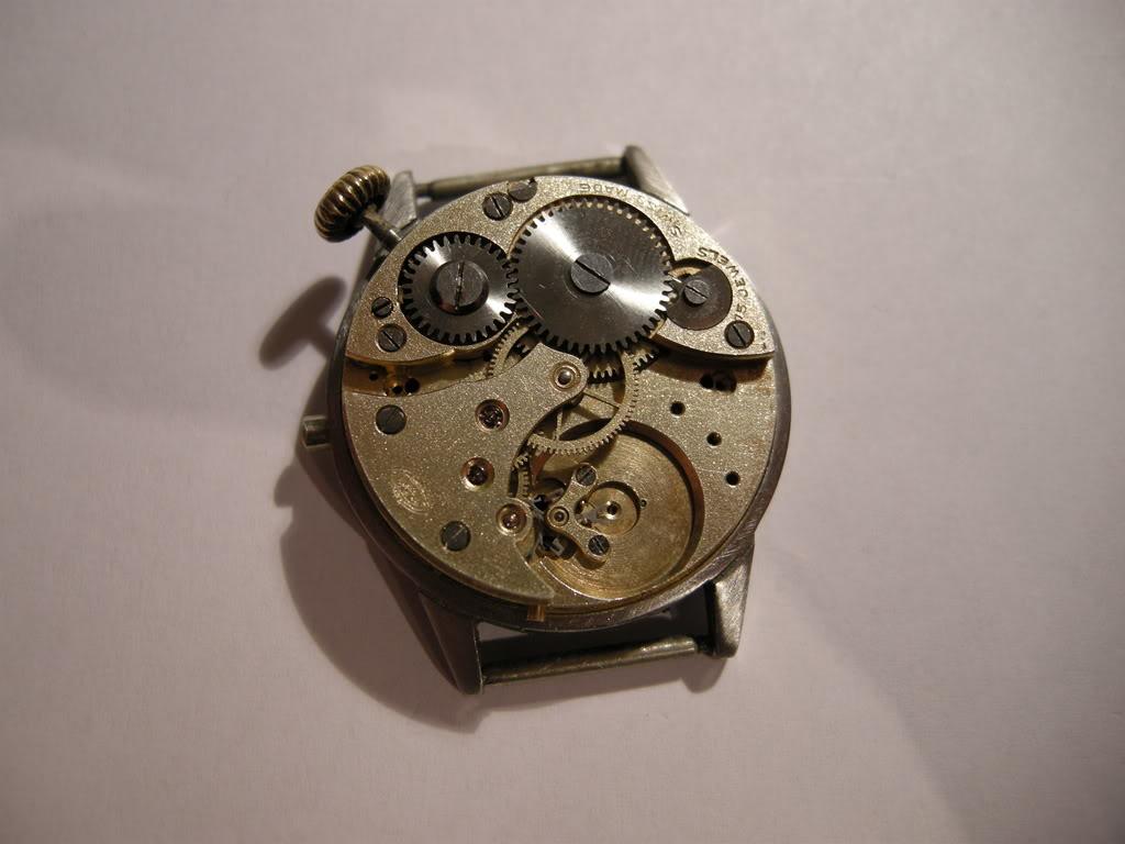 Révision d'une montre de poilu Cortébert DSCN0601